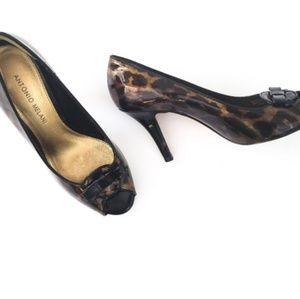 NWOT Antonio Melani Leopard Peeptoe Heels